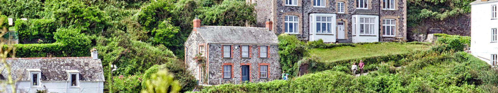 Things to do in Cornwall: Doc Martin House Port Isaac Cornwall